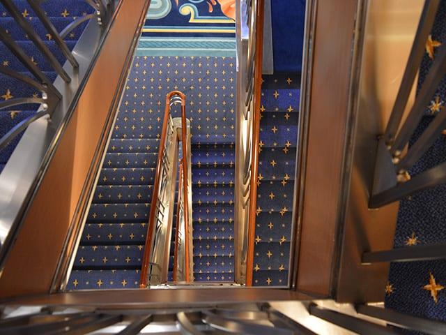 Des escaliers Magic chez Disney Cruise line