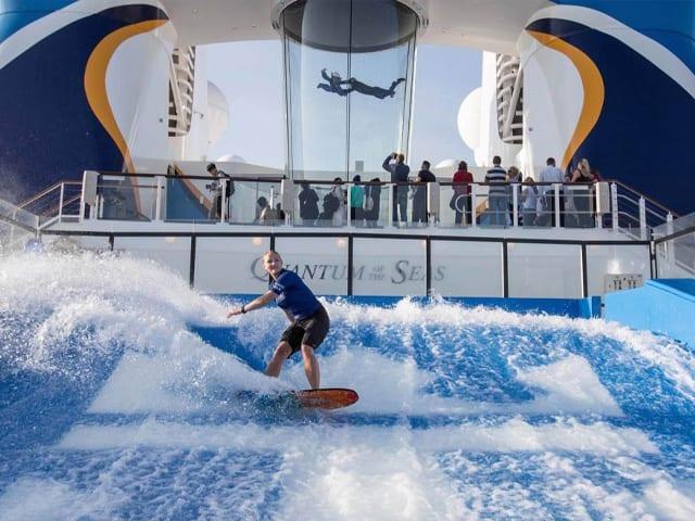 simulateur de surf, royal caribbean, quantum of the seas