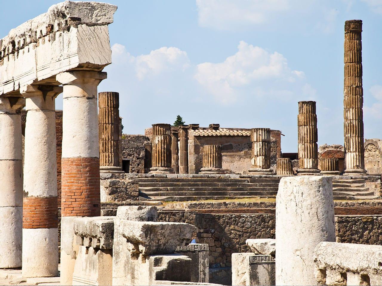 ancienne cité de Pompéi, parmi les 5 choses à voir absolument à Naples