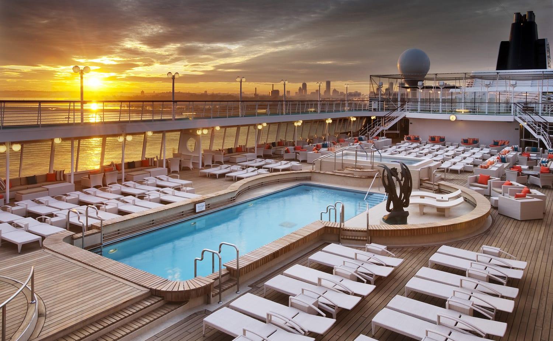 Crystal Cruises, le soleil se lève tranquillement