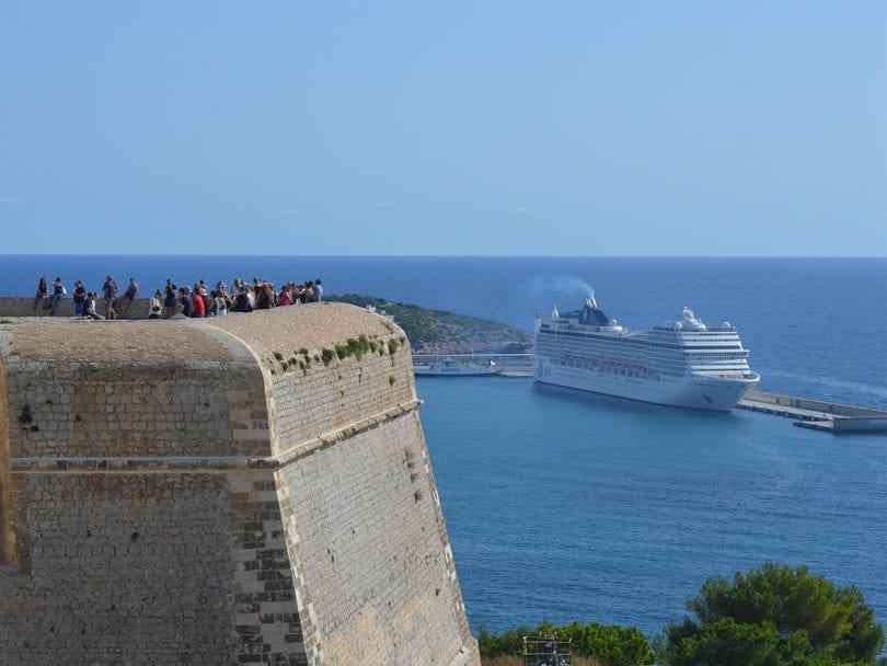 cinq minutes pour lire un guide rapide d'une journée à Ibiza