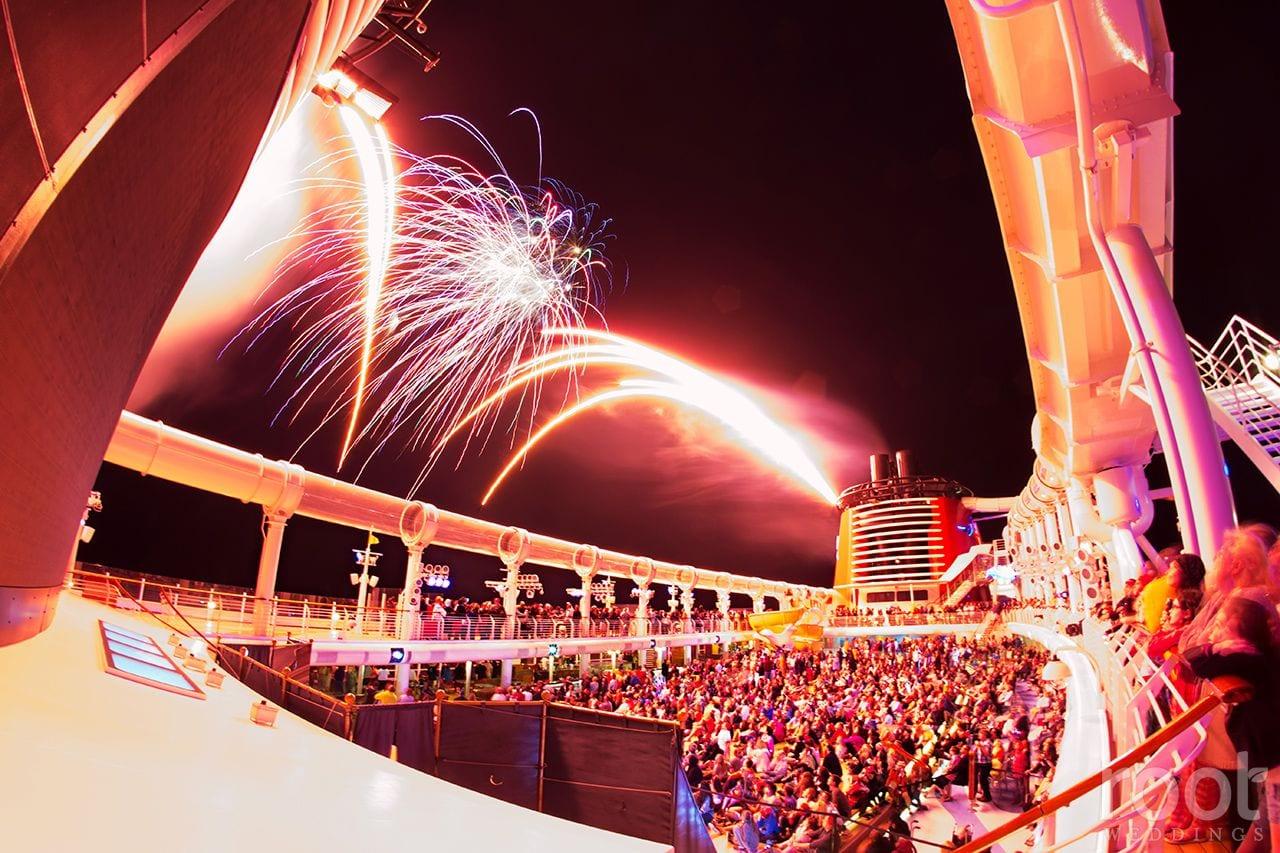 Disney met toujours les bouchées doubles lorsqu'il s'agit de fêter la nouvelle année. Au programme feux d'artifice