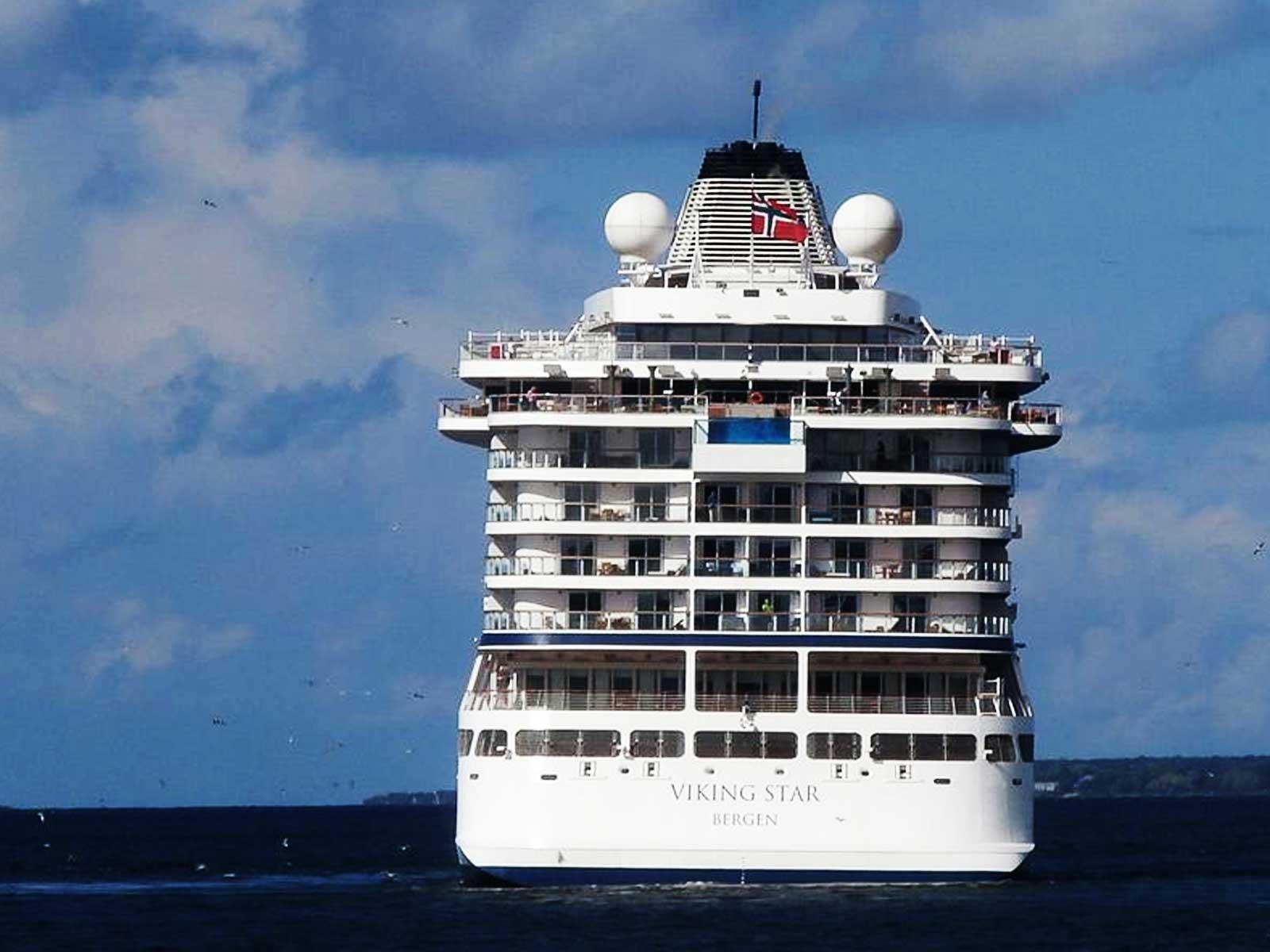 Premier navire de la compagnie Viking Cruises, habituellement plus habituée à parcourir les fleuves que les océans, le Viking Star fait partie des bateaux présentant le plis haut taux d'espace/passager à bord. C'est l'une des raisons il figure dans le classement des meilleurs bateaux de la décennie.